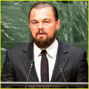 por cierto la barba no le queda bien…